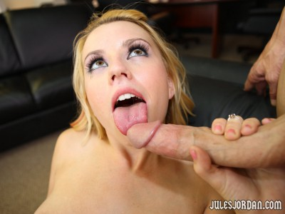 Lexi Belle Licking Dick