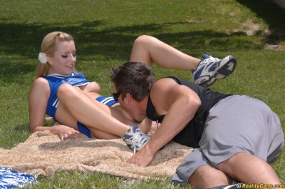 Lexi Belle Gets Licked